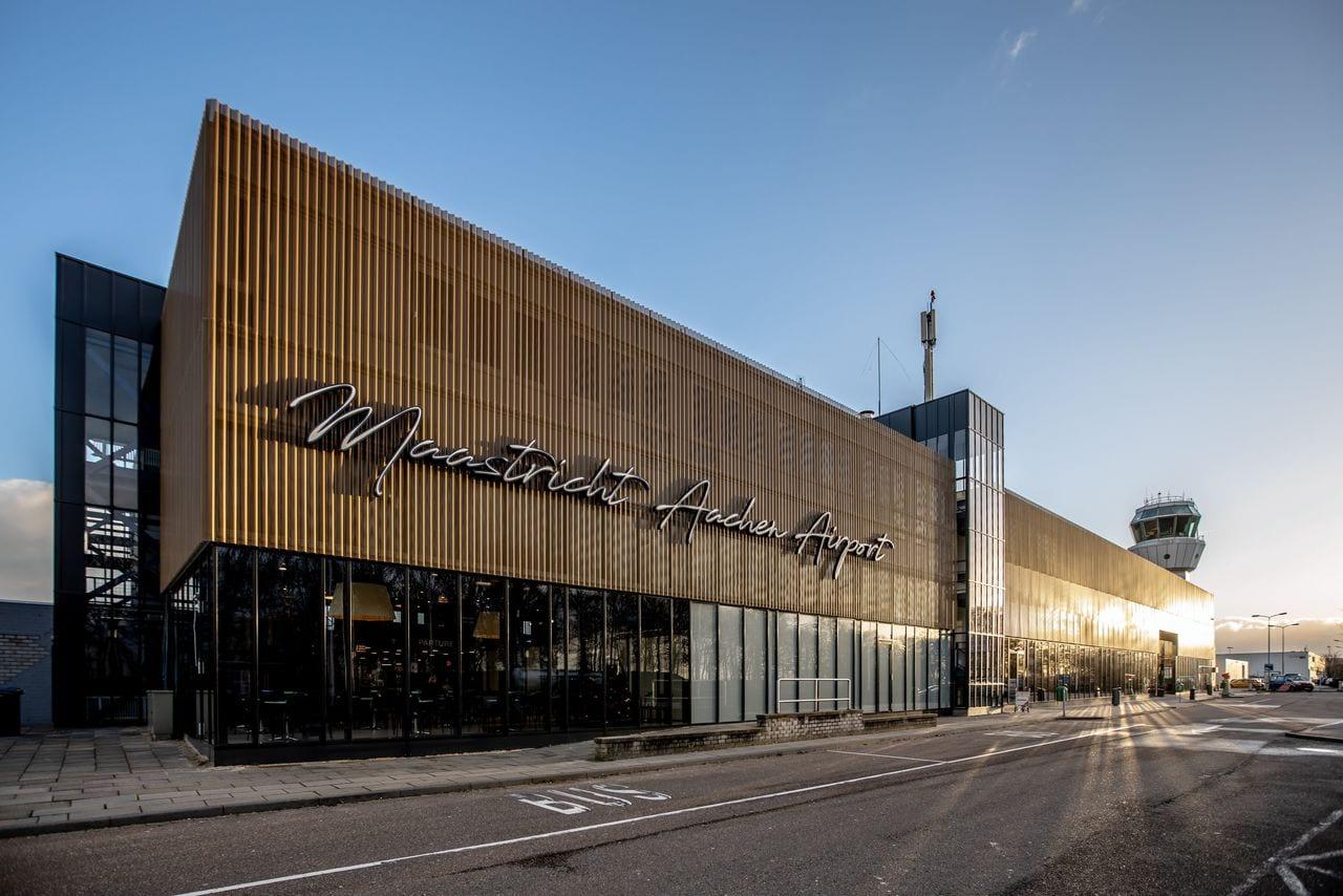 LWV-directeur breekt lans voor Maastricht Aachen Airport bij provincie